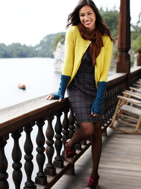 geel cardigan and plaid dress