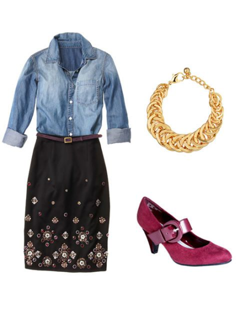 kot shirt outfit with necklace and shoes