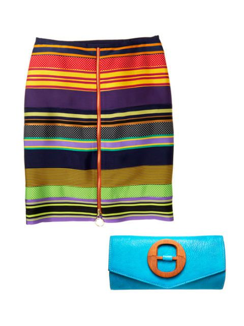 çizgili skirt and bright blue clutch