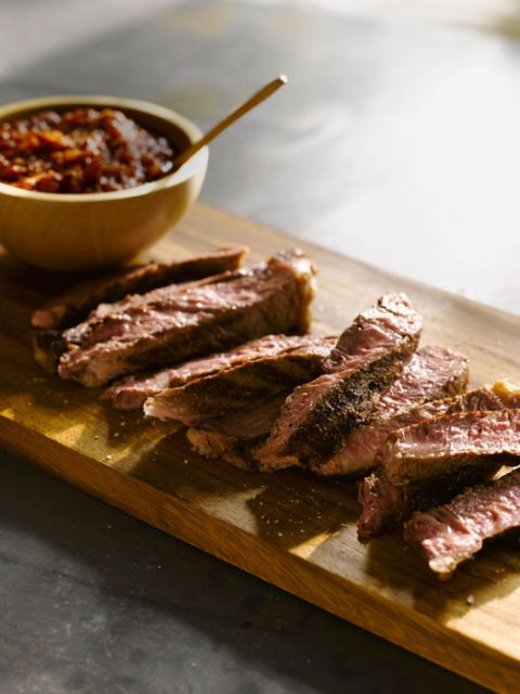 Одрезак Steaks with Smoky Arrabbiata Sauce recipe